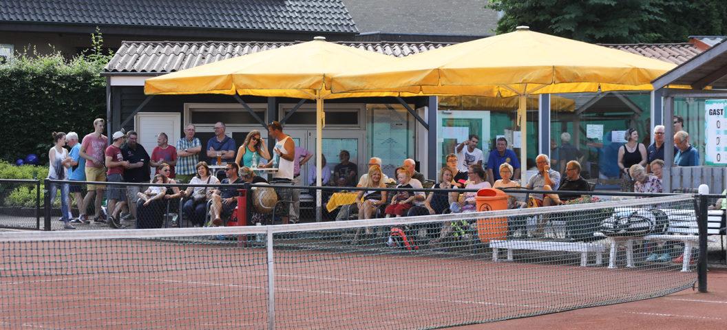 Viele Zuschauer beim Showmatch